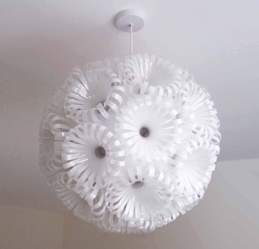 plastik flaschen lampe pictures. Black Bedroom Furniture Sets. Home Design Ideas