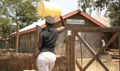 fullsized_watersource_kisumu_woman