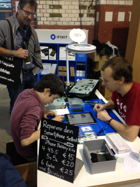 iFixit Fairphone Maker Faire Berlin