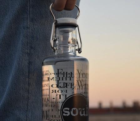 soulbottles stylische trinkwasserflaschen mit seele. Black Bedroom Furniture Sets. Home Design Ideas