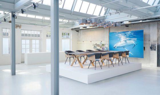 """Plastic Whale - Circular Furniture und Stühle """"Felt"""" von VEPA"""