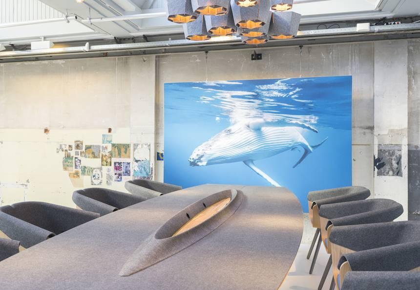 Plastic Whale rettet Gewässer: Möbeldesign aus Plastikmüll! | Lilli ...