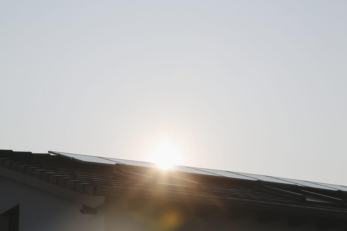 Solardach mit Sonnenlicht