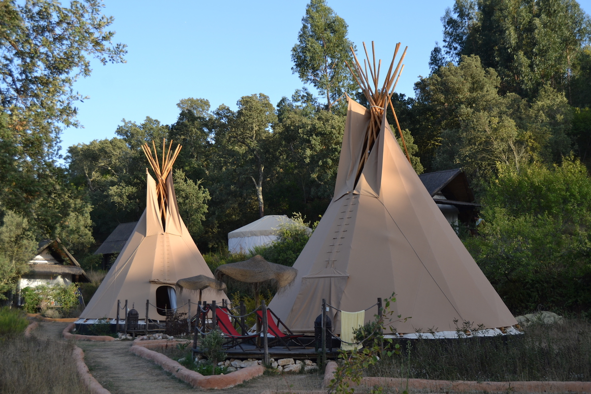 Airbnb Sunshine Tipi Aterra Eco Camping