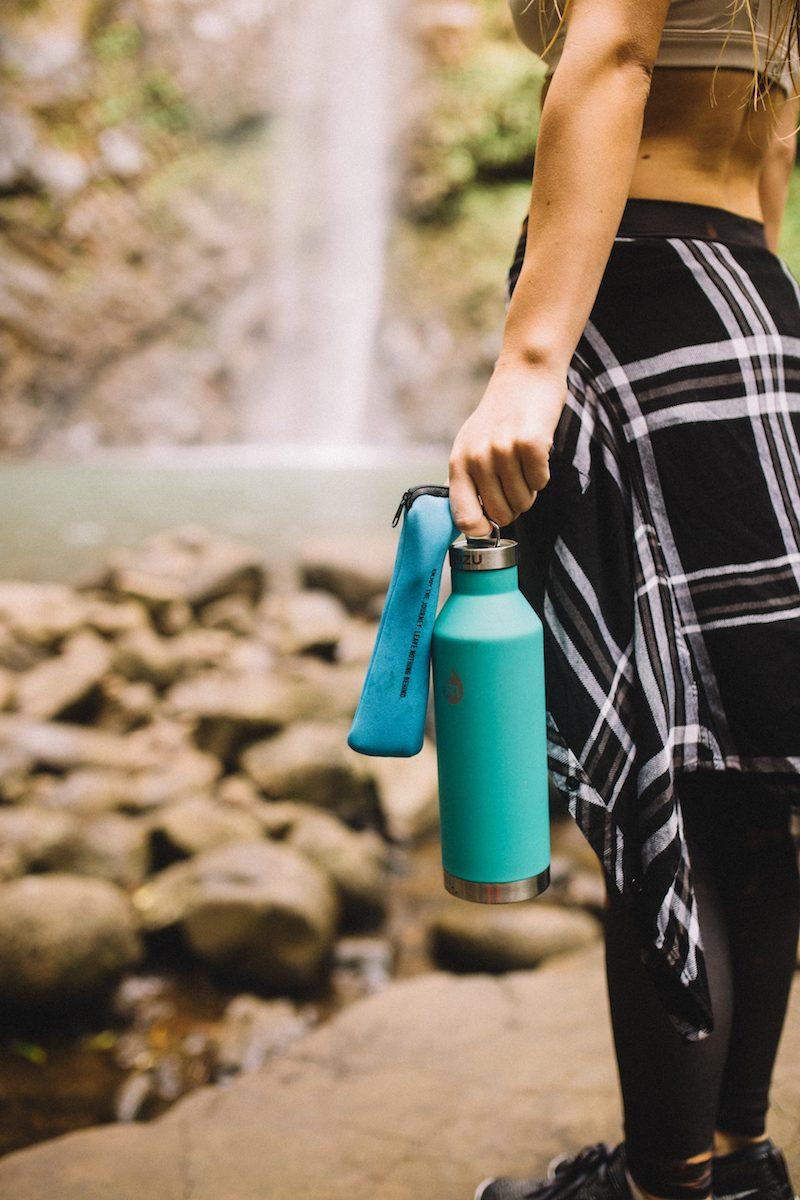 Nachhaltige Packliste - Trinkflasche von Mizu - Reisen ohne Plastik