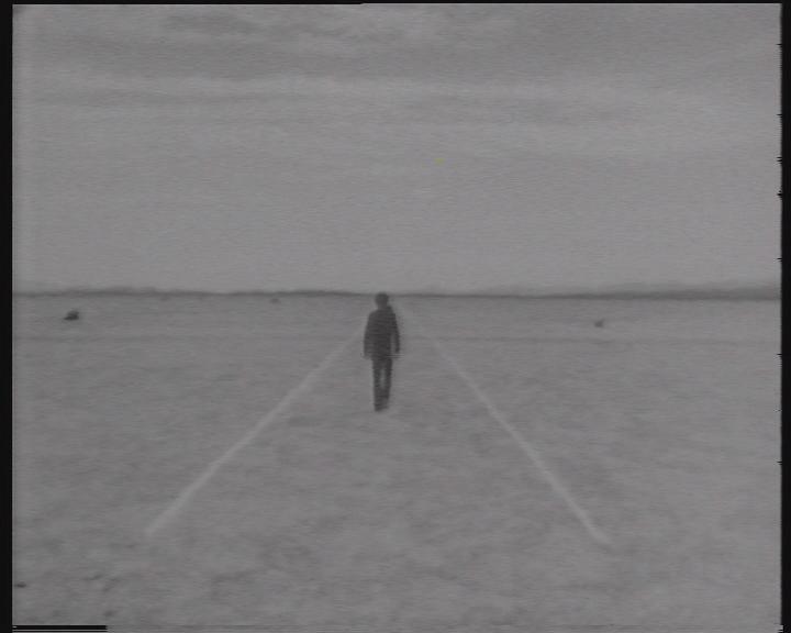 Land Art - Gerry Schum - Filmstill - Mensch und Landschaft