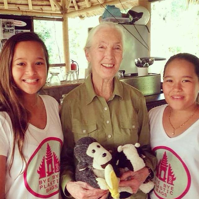 Bye Bye Plastic Bags Bali Melati und Isabel mit Jane Goodall