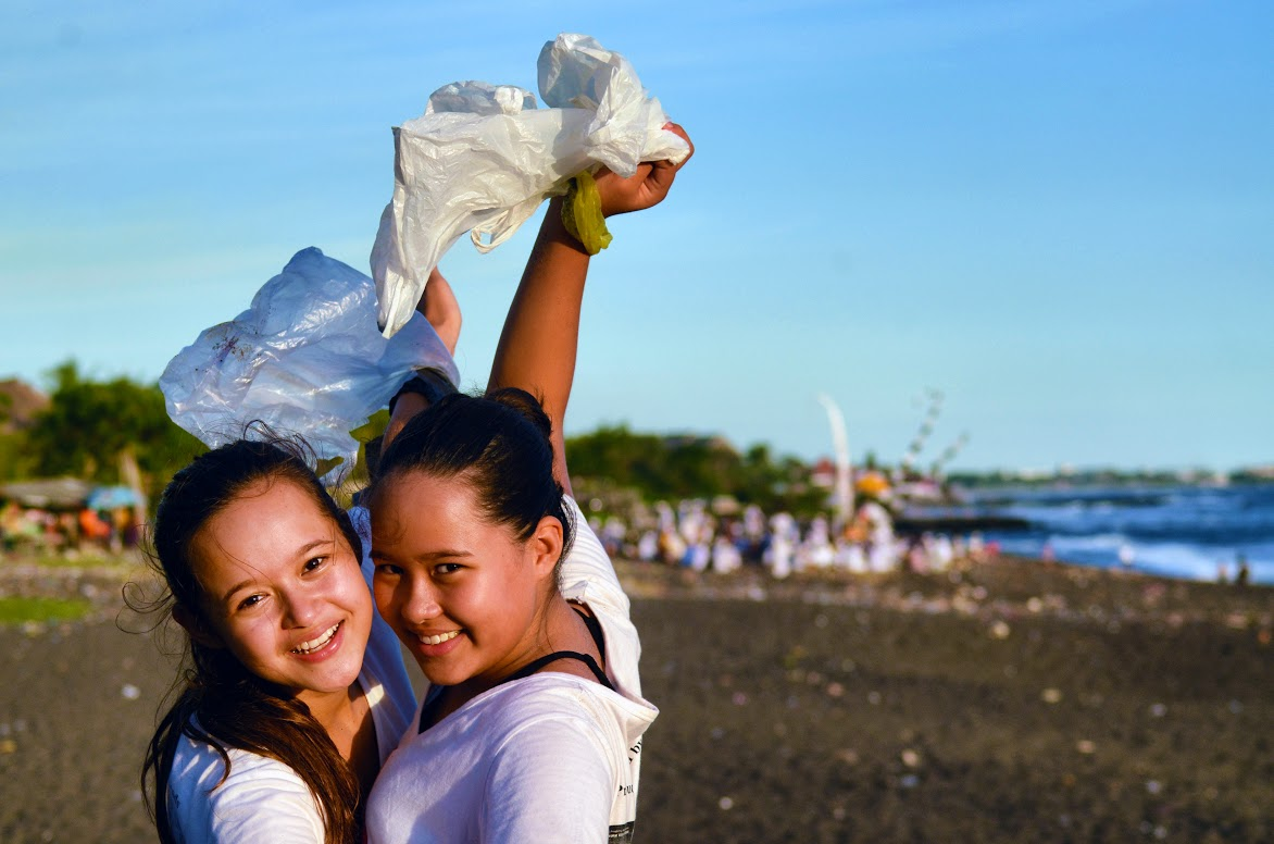 Bye Bye Plastic Bags Bali - Melati und Isabel