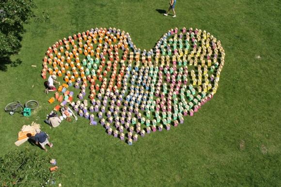 Herz aus Vogelhaeser von Thomas Dambo auf Roskilde Festival