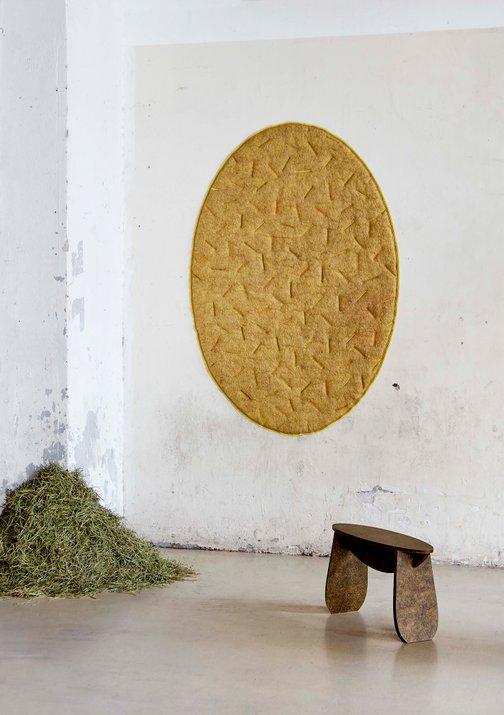 Zero Waste - Möbeldesign aus Kiefernadeln - Hocker von Designerin Tamara Orjola