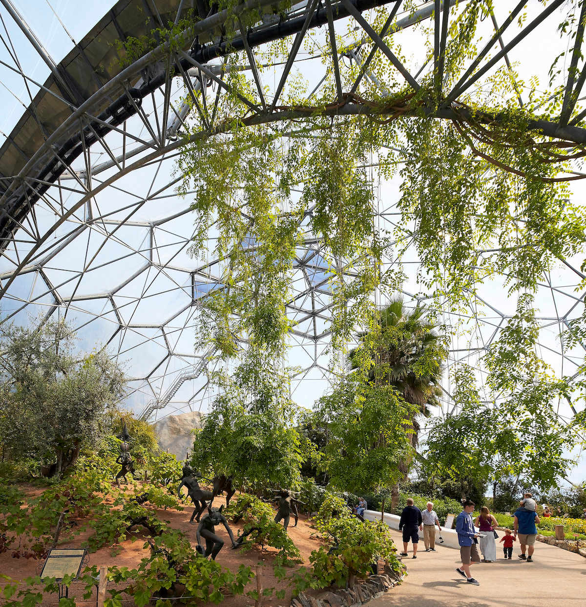 The Eden Project in Cornwall - Besucher im Botanischer Garten