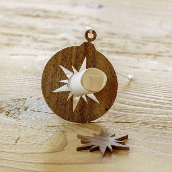 Nachhaltige Geschenkidee: Baumschmuck aus Holz