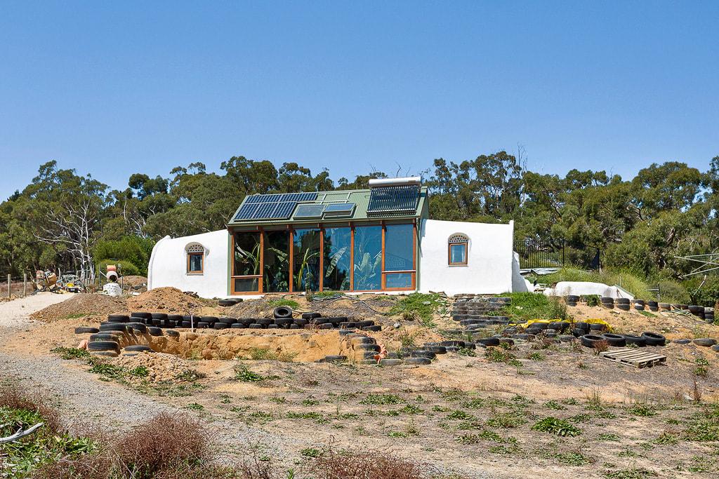 Autarke Architektur: Erdhaus Ironbank in Australien