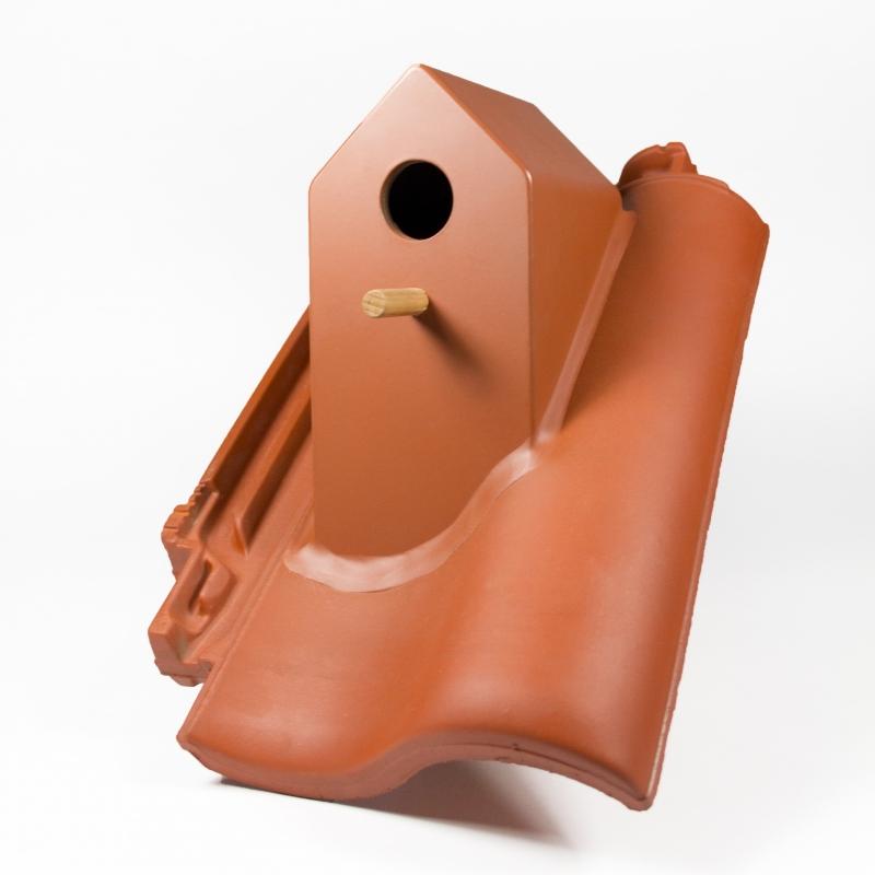 Vogelhaueschen auf Dachziegel aus Keramik von Klaas Kuiken