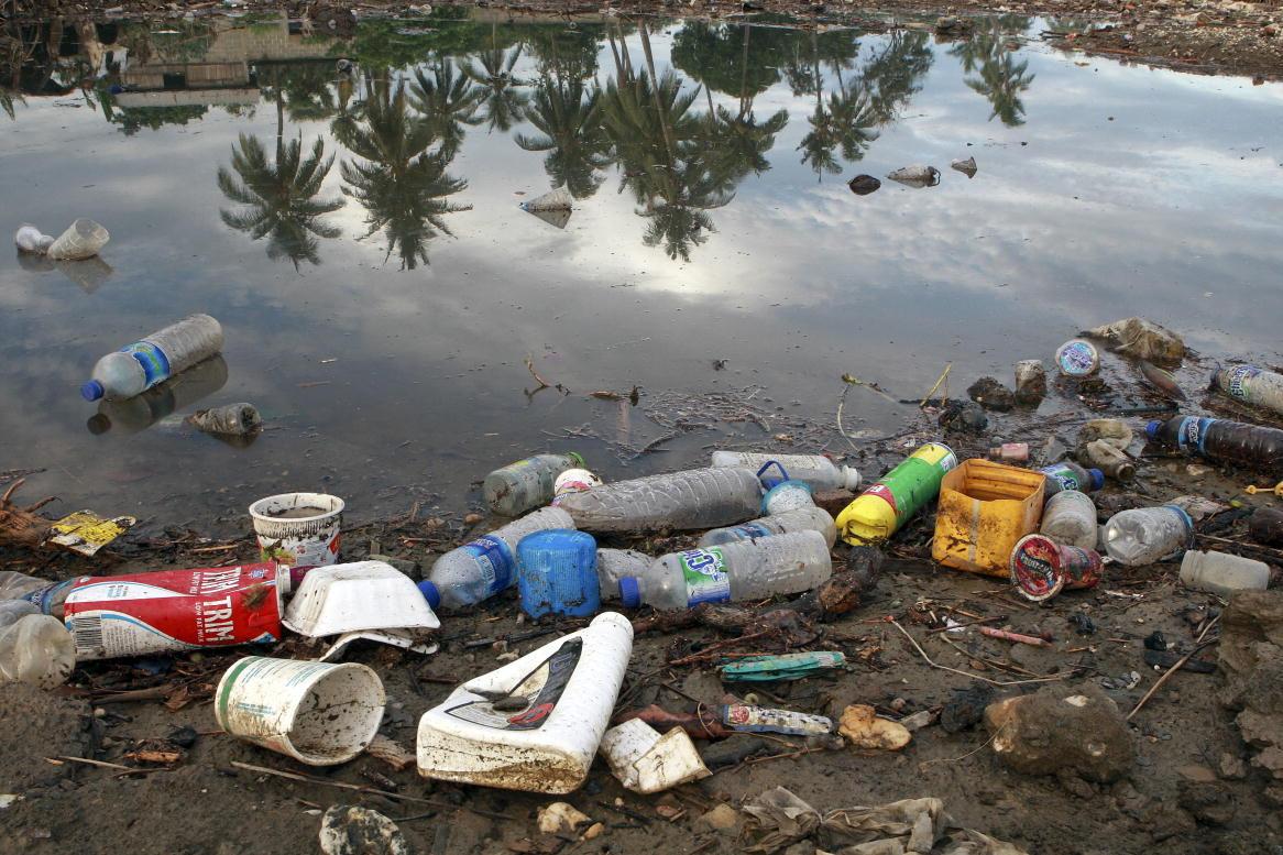 Was passiert mit unserem Plastikmuell? Oft landet es in Asien