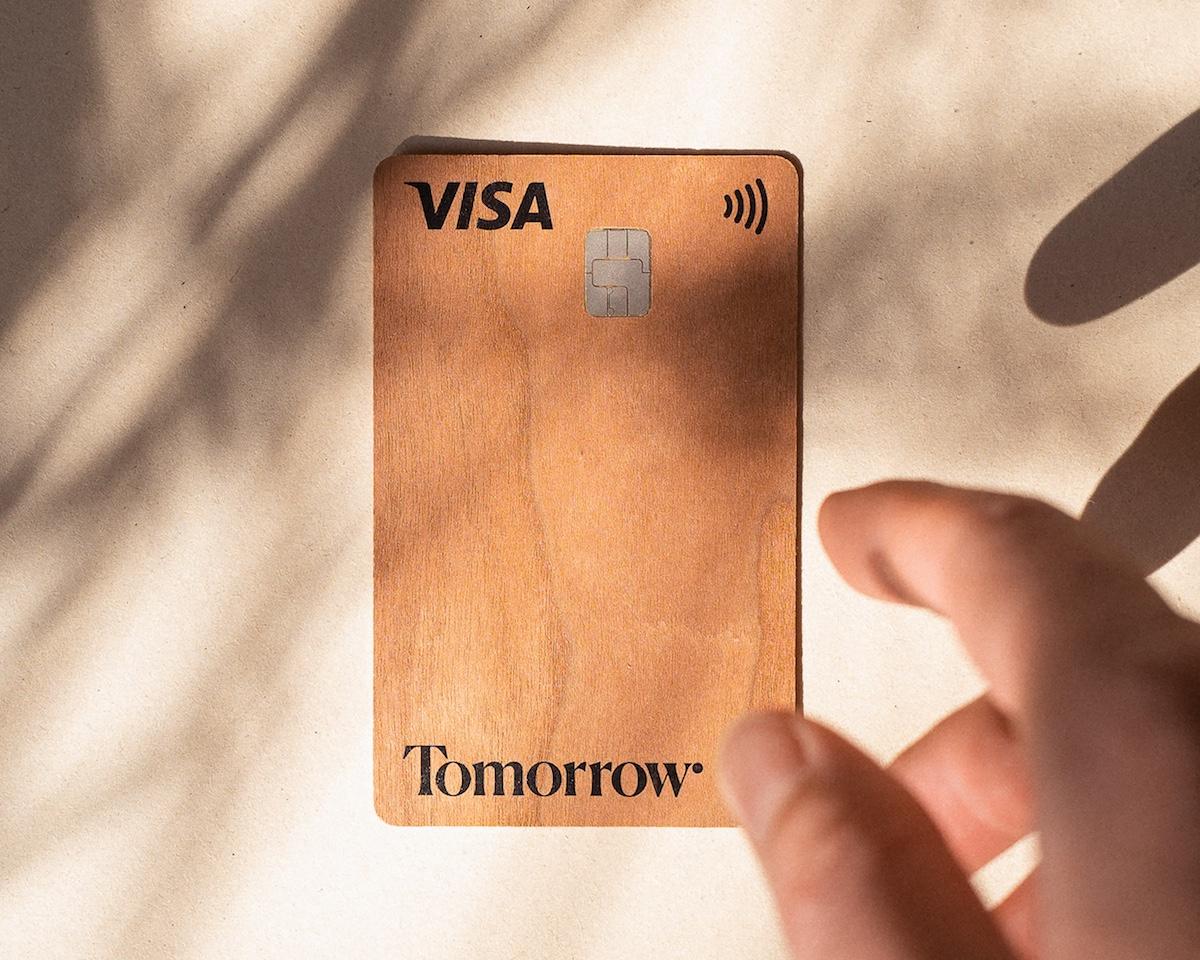 Bankkarte aus Holz von Tomorrow